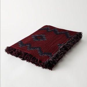2 Wilfred Mosaic Blanket Scarves
